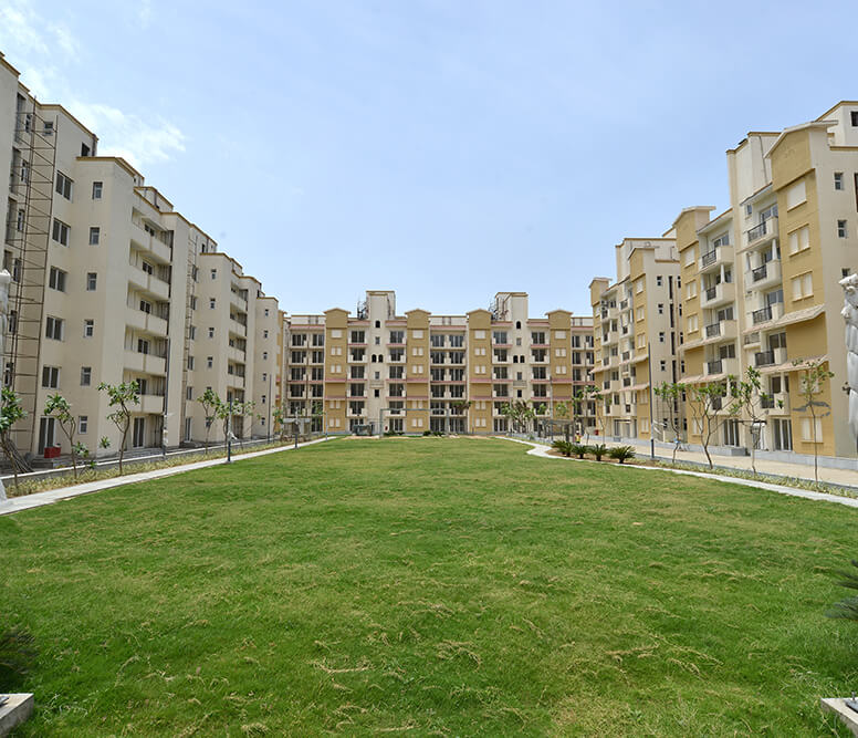 4 bhk apartments for rent in emerald floors premier