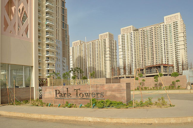 3 BHK Residential Apartment for rent in DLF CITY PHASE 5